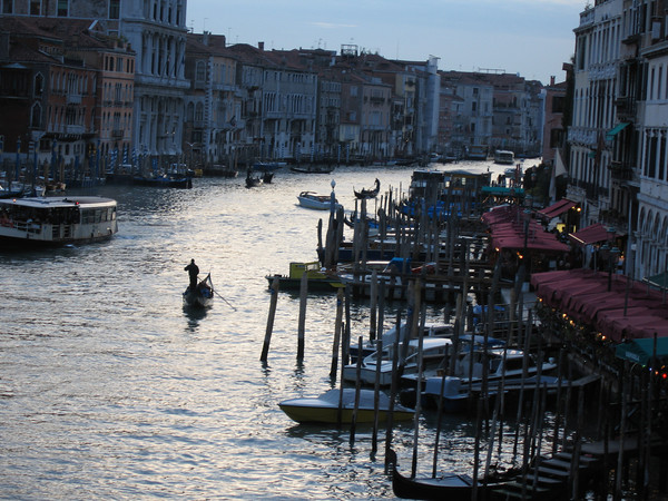 VeniceCanalNight.jpg